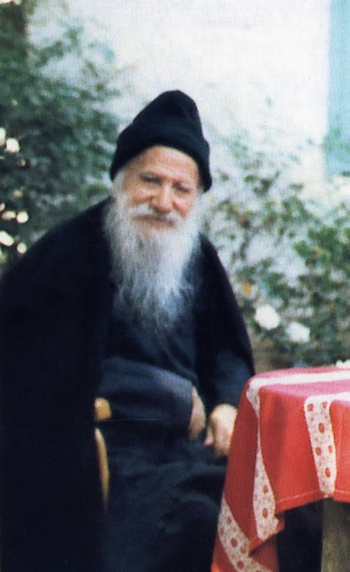 St. Porphyrios: 我們應該要在靈魂中保有善與愛 Wounded by Love: On Disposition of the Heart